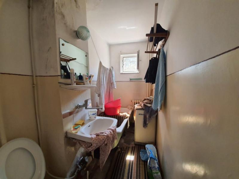 Apartament 2 Camere Semidecomandate - Zona Casa De Cultura - Etaj 1