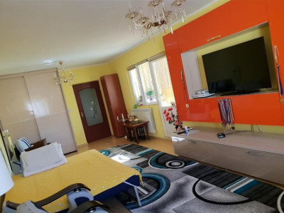 Casa 3 Camere - Zona Medeea - Renovata - Gaze
