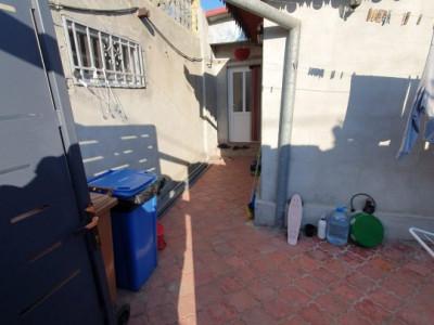 Casa La Pret De Apartament - Medgidia - Garaj - Terasa