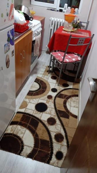 Apartament 3 Camere - Zona Salvare - Gaze Pe Scara